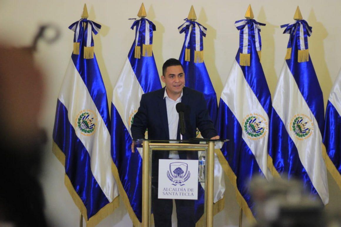 """Henry Flores: """"Literalmente los carros eran vehículos"""" dice alcalde de Santa Tecla"""