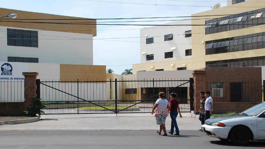 Un niño de 14 años caminó desde el ISSS Sonsonate hasta Metalio, Acajutla