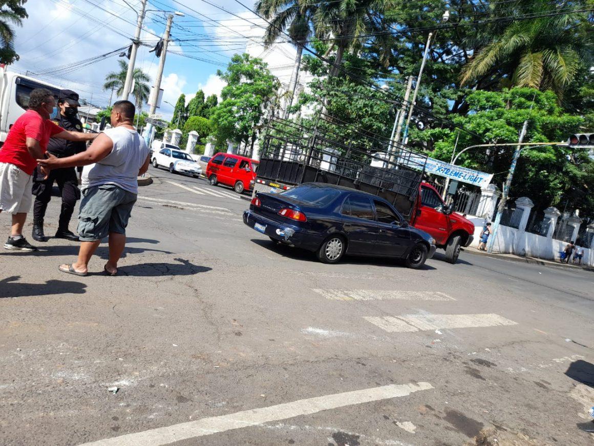 Accidente de Tránsito frente al Parque de Sonsonate