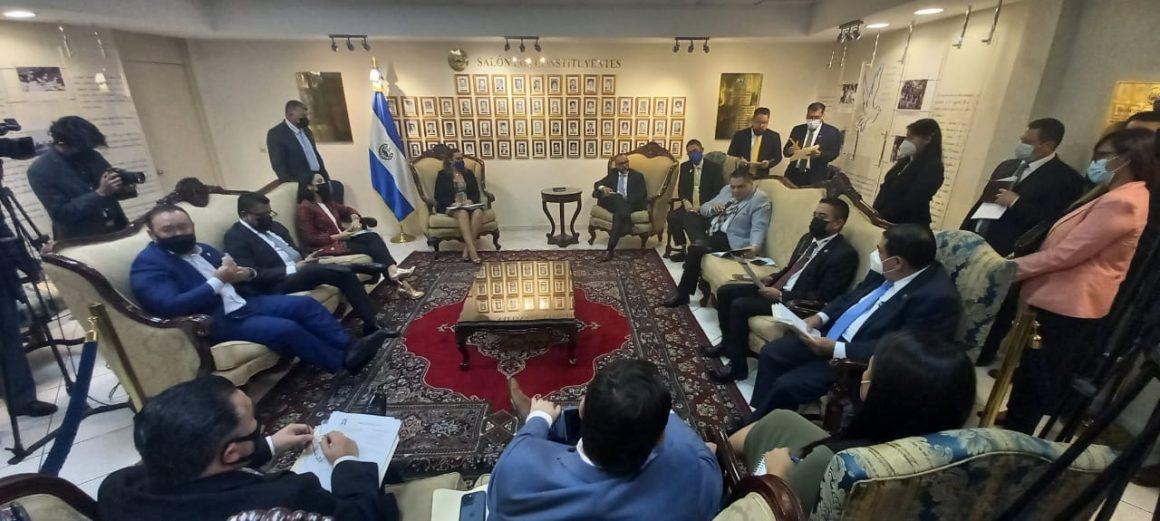 Diputados pro Gobierno acuerdan reelegir al abogado López Jerez como presidente de la CSJ