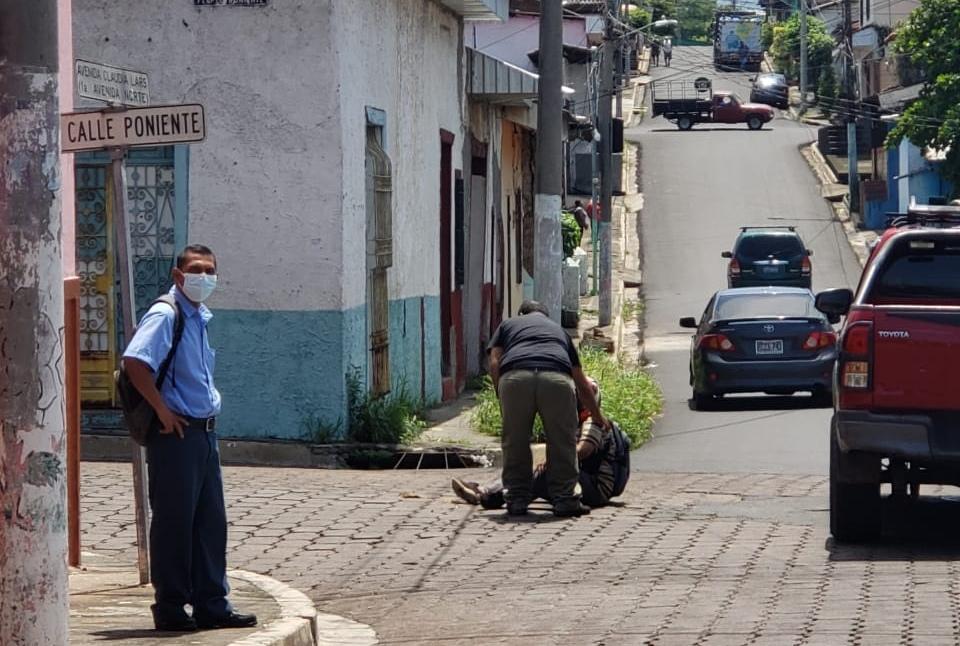 Motociclista sufre accidente de tránsito en el Pilar, Sonsonate