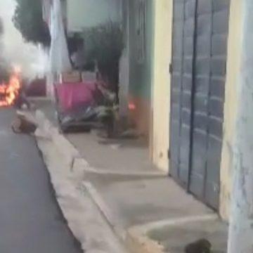 VIDEO: Vehículo se incendió en el Barrio San Miguelito de Sonzacate