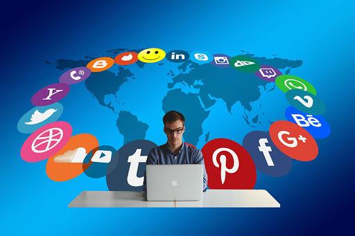 Redes sociales determinan el imaginario colectivo – Autor anónimo.
