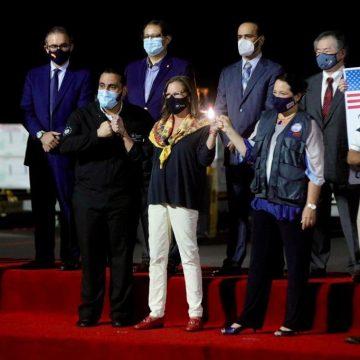 """""""Los 1,5 millones de vacunas moderna contra el COVID-19 son para los Salvadoreños"""" dijo Jean Manes"""
