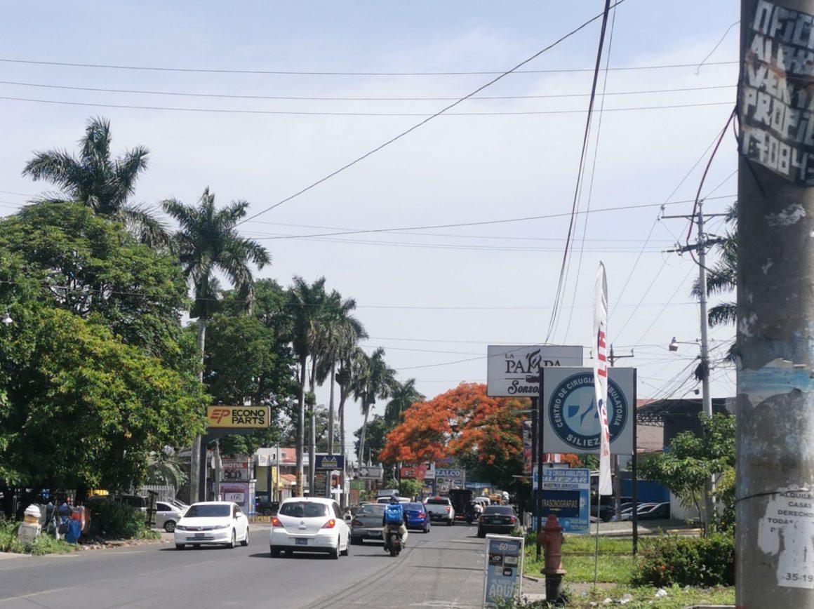 Accidente de Tránsito por Importadora Ramírez, Boulevard Las Palmeras