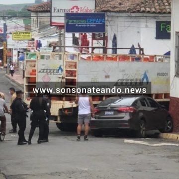 VIDEO:  Accidente de tránsito en la UMA Sonsonate