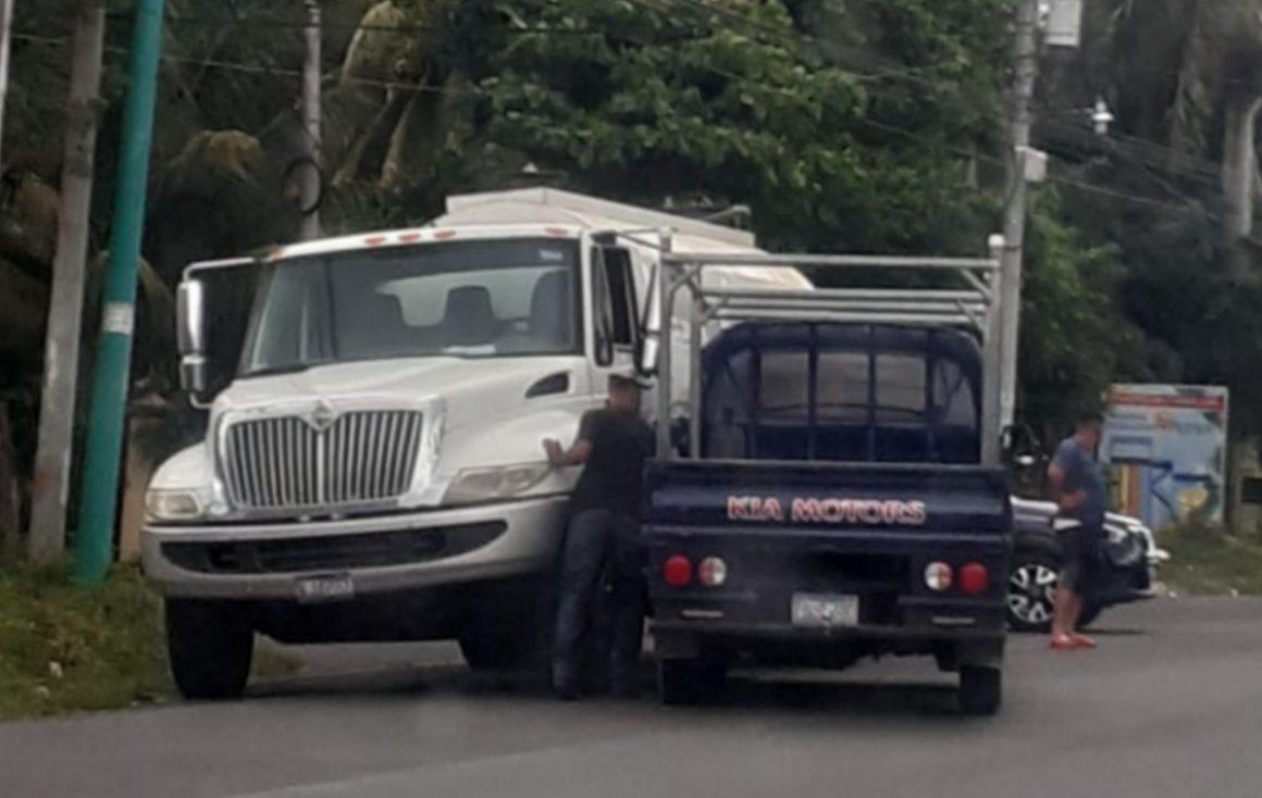 Accidente de tránsito sobre el Boulevard Las Palmeras Sonzacate