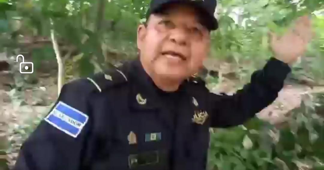 VIDEO: Subinspector de la PNC le pegó un puñetazo en la cara al periodista Jorge Beltrán Luna