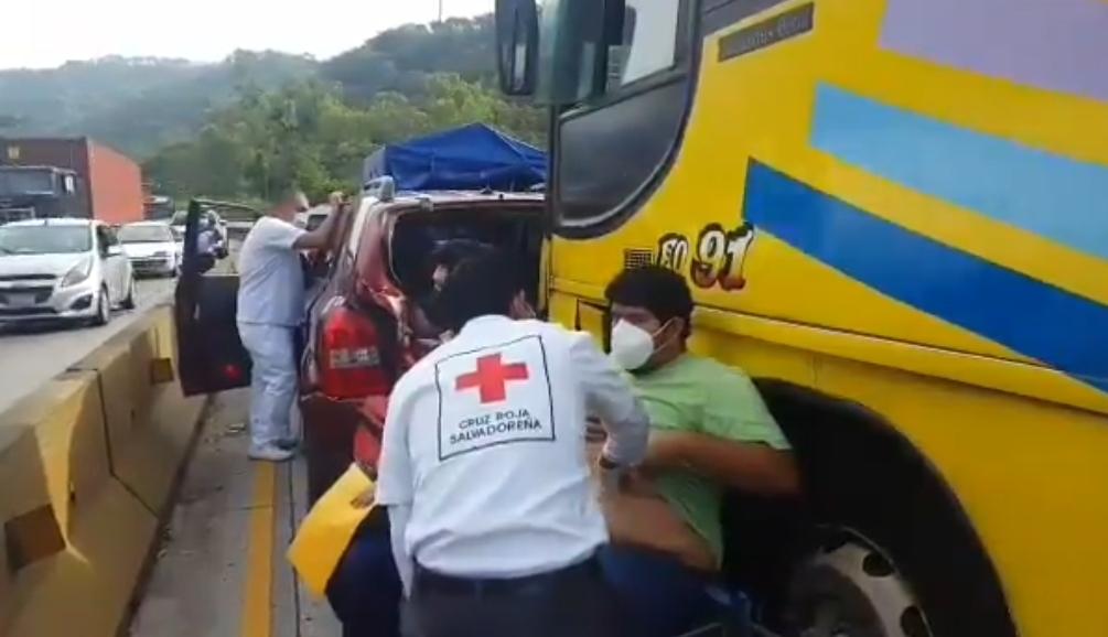 Múltiple accidente de tránsito en Los Chorros
