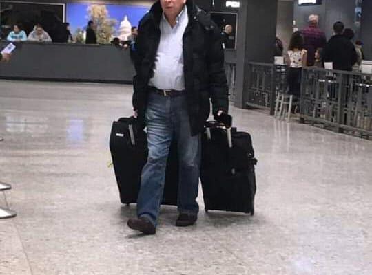 Walter Araujo huye del país