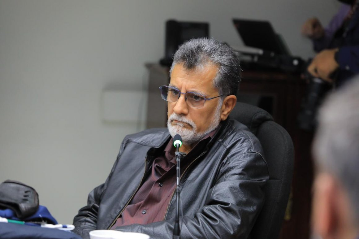 VIDEO: Gerente de Comunicaciones de Asamblea Legislativa cortó transmisión de Shafick Handal