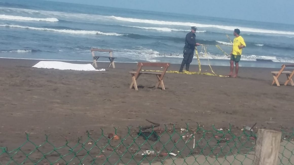 Hallan joven desaparecido en la playa Metalío