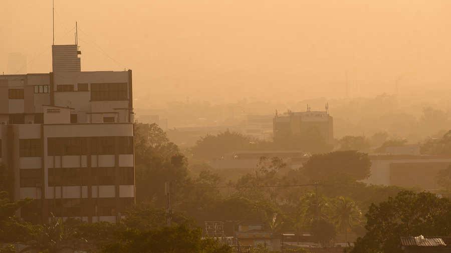 Hoy y el jueves ingresarán polvos del Sahara