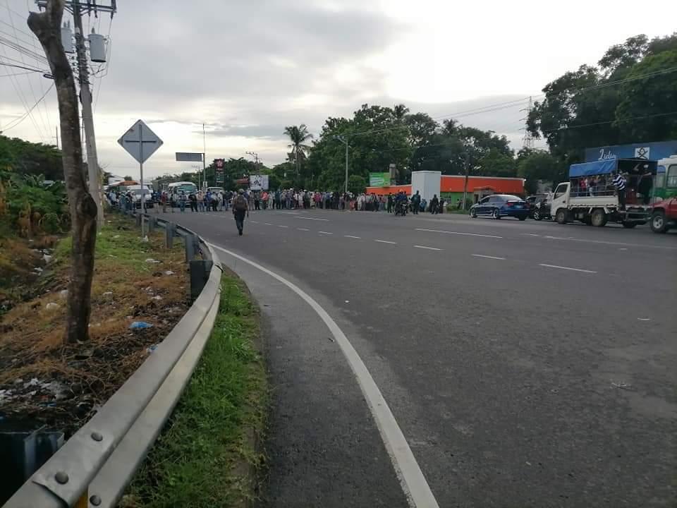 Tráfico bloqueado en el Kilo 5 por protestas