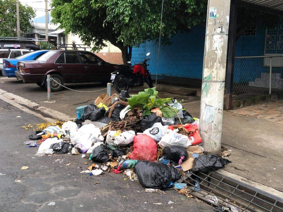 Población de Sonzacate molesta con la Alcaldía por problemas en la recolección de basura