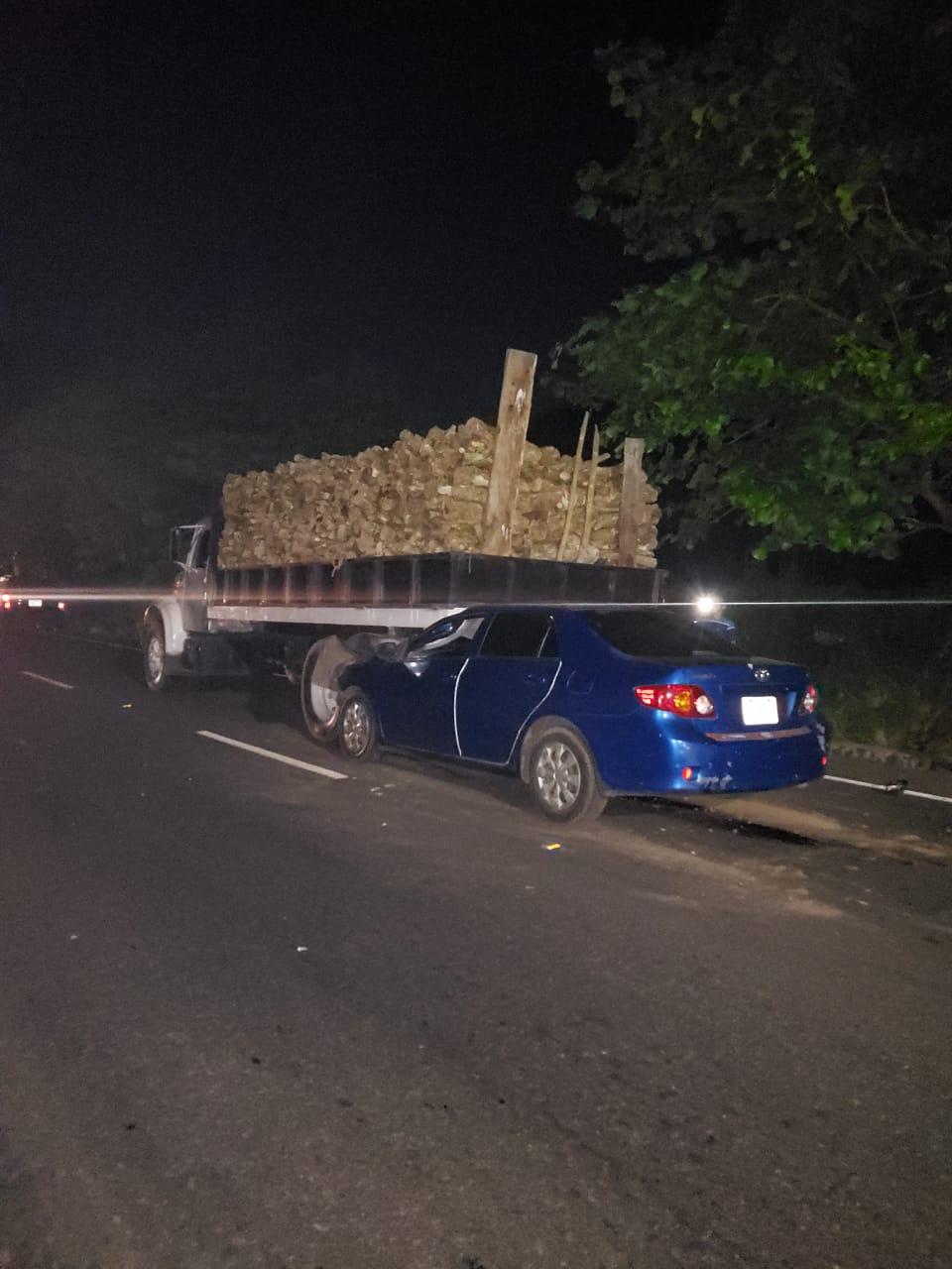Conductor ebrio se dio a la fuga luego de ocasionar un accidente en Sonsonate