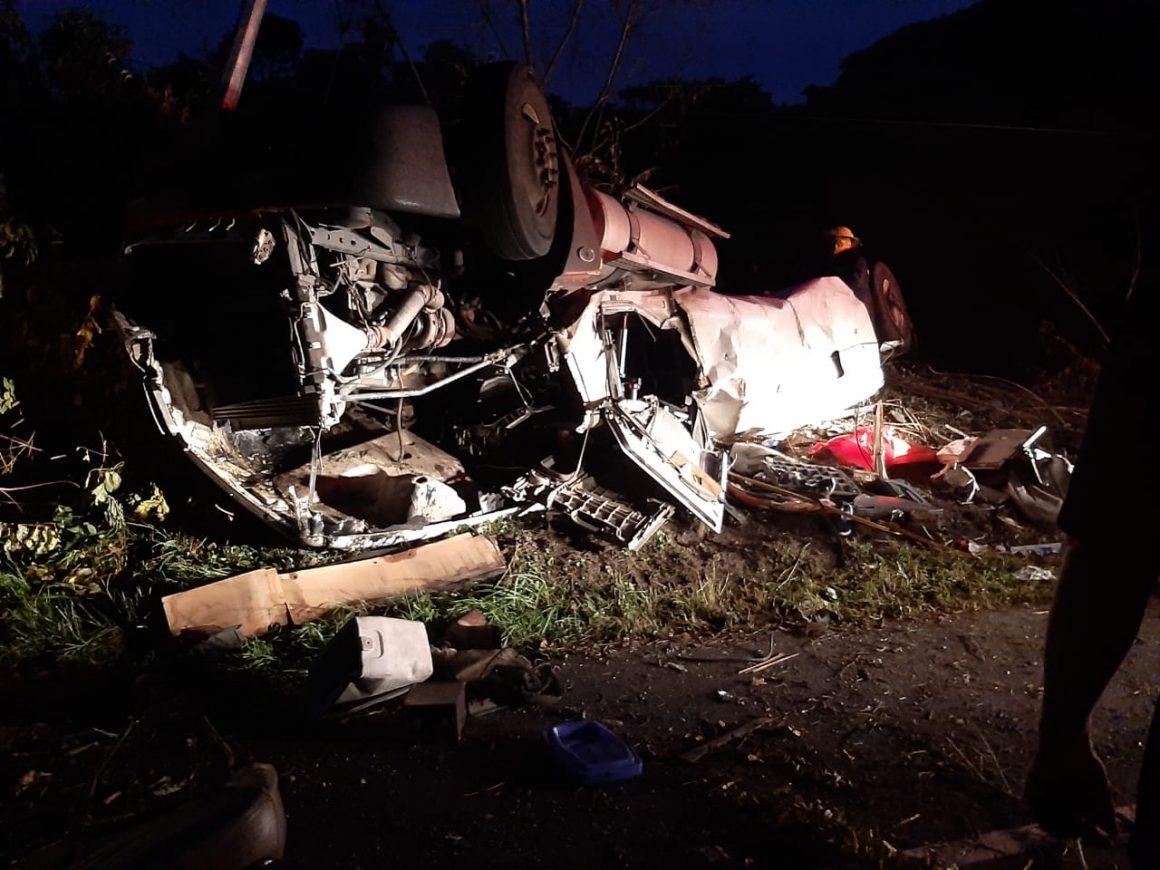Explota pipa en Chalatenango y dos personas resultan quemadas