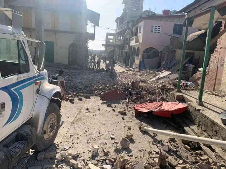 Terremoto de 7.2 sacudió a Haití