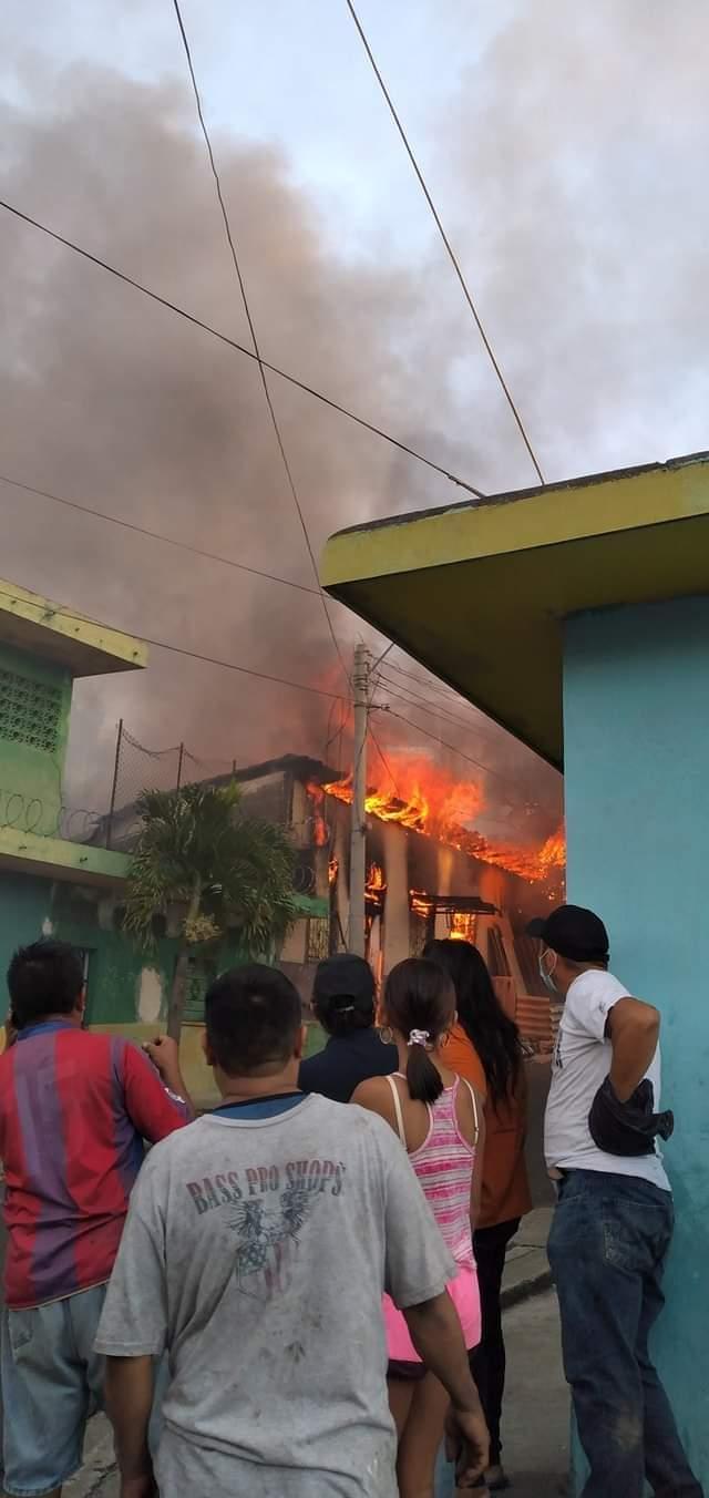Fuerte incendio en Ciudad Delgado