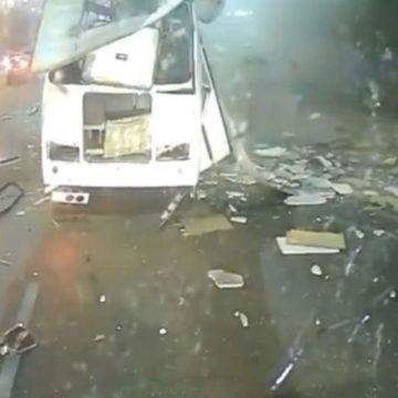 VIDEO: Autobús explota en Rusia