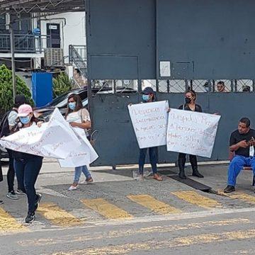 Tras despidos, empleados se toman la Alcaldía de Soyapango